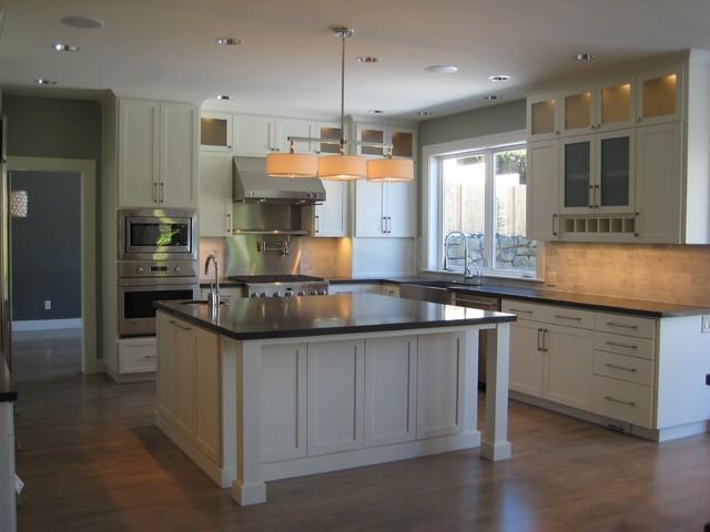 Modern craftsman kitchen for Modern craftsman interior design