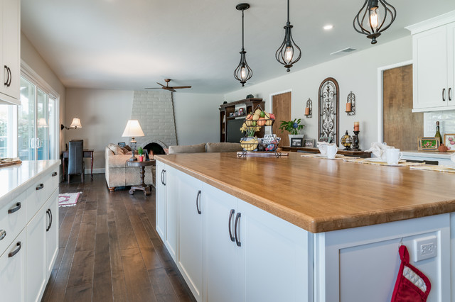 Modern Farmhouse Kitchen 2019 Butcher Block Kitchen Island Country Kitchen Other By Imagine Remodeling Houzz Au