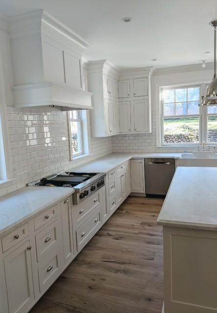 Example of a farmhouse kitchen design in Sacramento