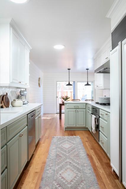 Modern Farmhouse Kitchen Landhausstil Kuche San Francisco Von Carmit Oron Interior Design Houzz
