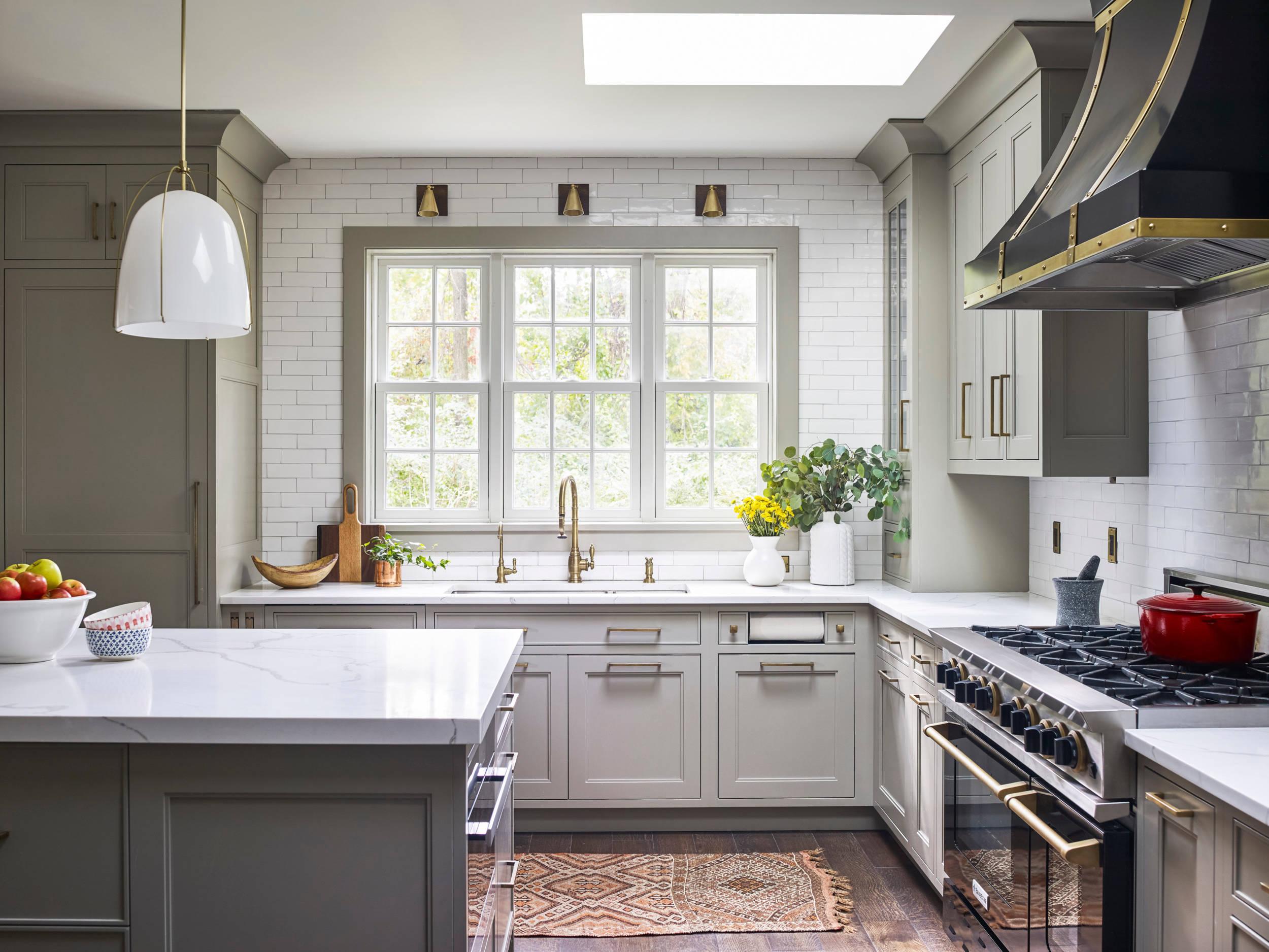 75 Beautiful White Kitchen With Black Appliances Pictures Ideas November 2020 Houzz