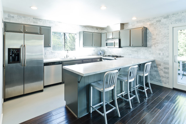 Modern Grey And White Kitchen Modern Kitchen Los Angeles By Kcs Design
