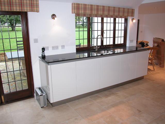 Modern Handle-less kitchen modern-kitchen