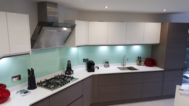 Modern Handleless White Gloss Dark Elm Kitchen Door With White - Dark grey kitchen doors