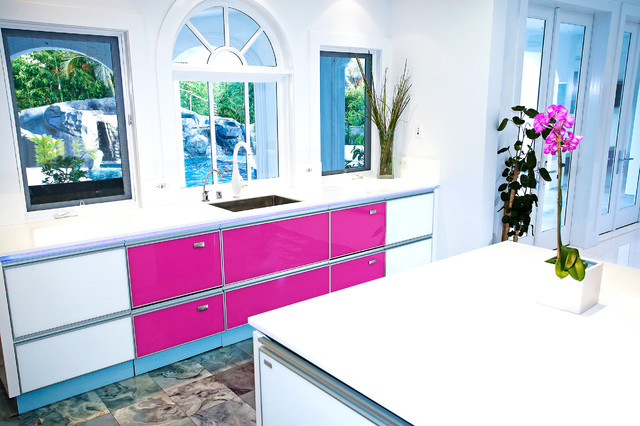 Modern Kitchen by Mal Corboy Cabinets modern kitchen