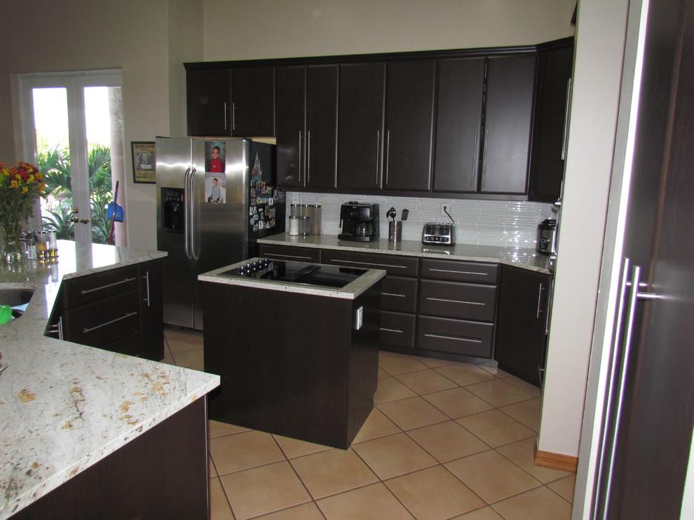 Modern Kitchen Cabinets - Contemporary - Kitchen - Miami ...