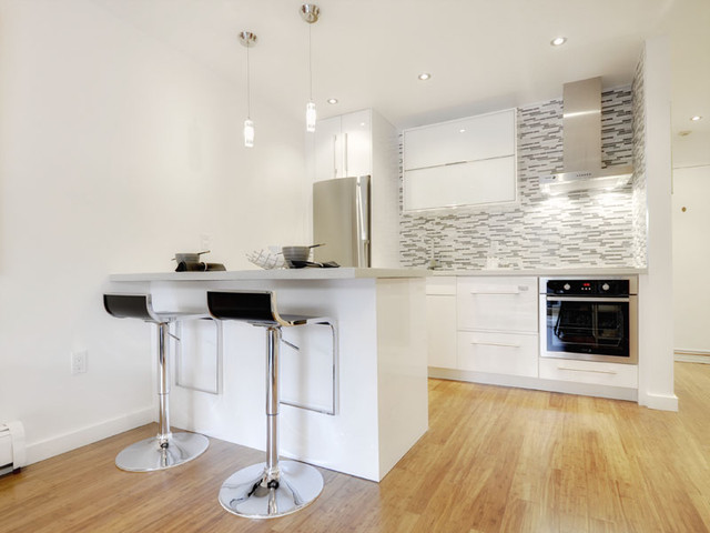 Ultra modern condo in vancouver modern kitchen for Modern condo kitchens