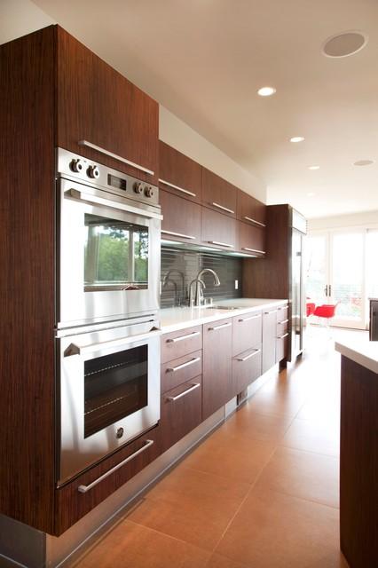Italian cabinets from aran cucine 39 s miro collection - Aran cucine italy ...