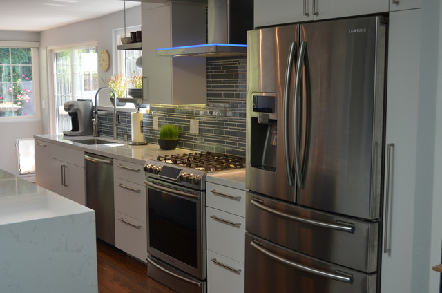 Modern Kitchen Remodel - Modern - Kitchen - San Diego - by Christopher ...