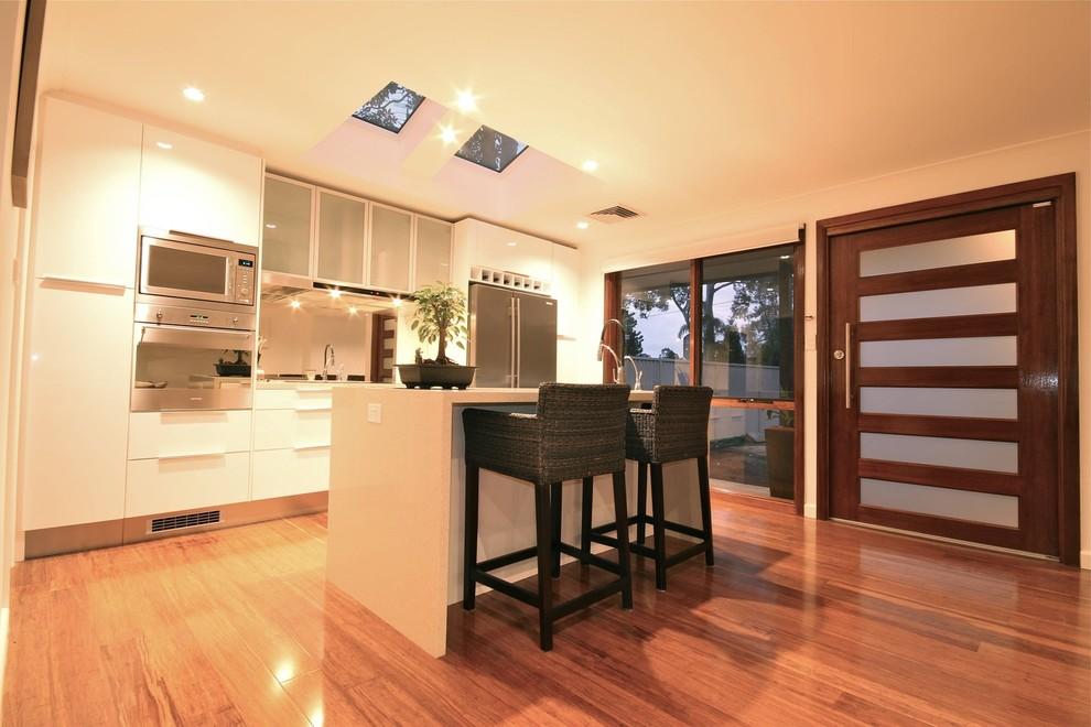 Minimalist kitchen photo in Sydney