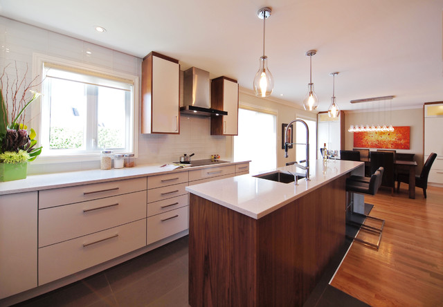 Modern kitchen style modern kitchen montreal by for Cuisine bcbg