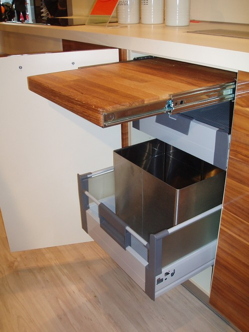 Pull-Out Cutting Board and Waste System Storing Combo