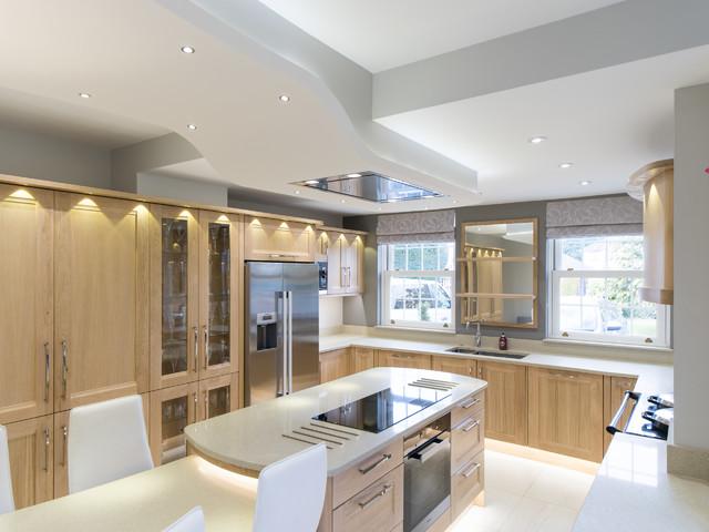 Modern kitchen with aga modern kitchen kent by for Aga kitchen designs