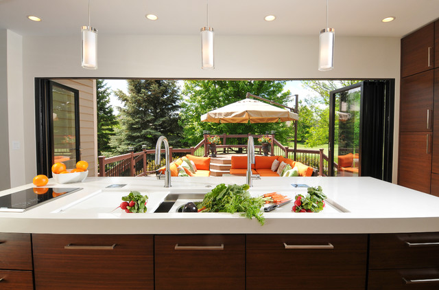 Kitchen of the Week: Traditional Kitchen Opens Up for a Fresh Look
