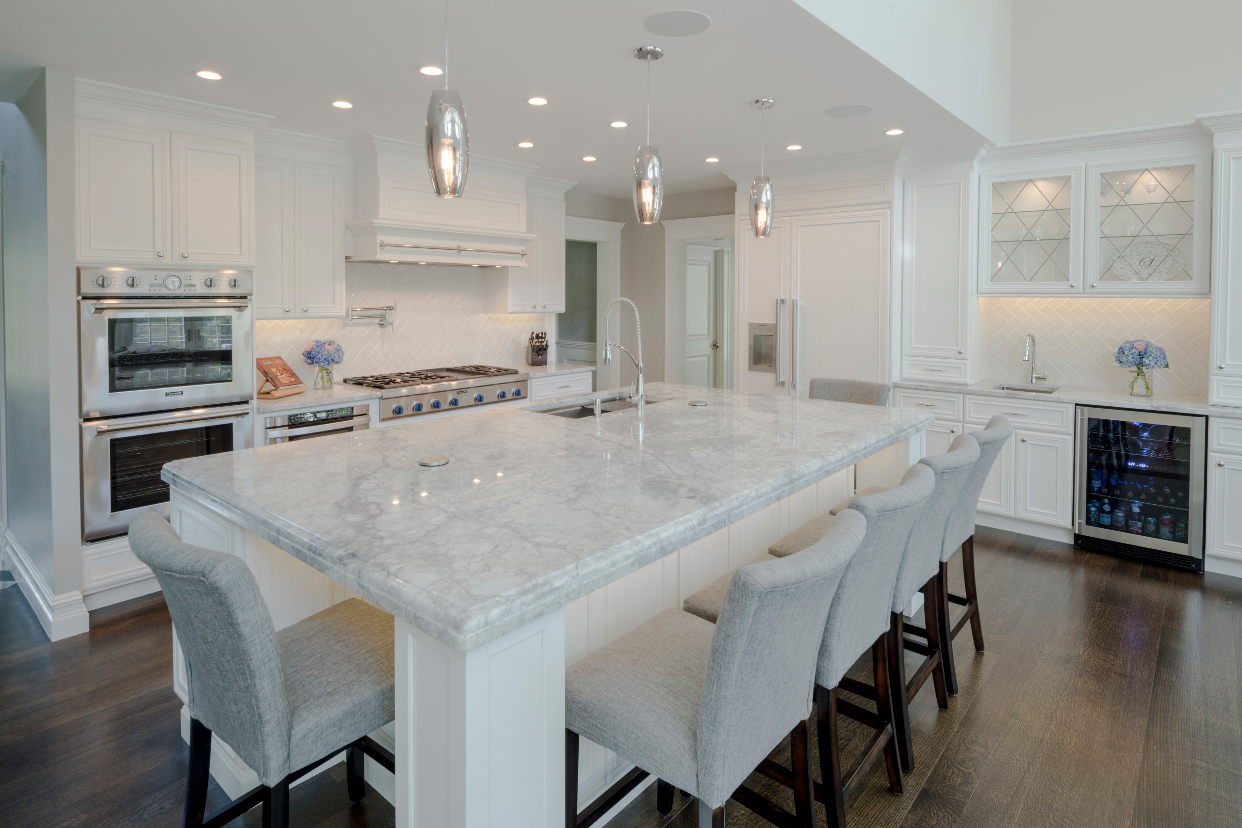 75 Beautiful Modern Kitchen With Beaded Inset Cabinets Pictures Ideas November 2020 Houzz
