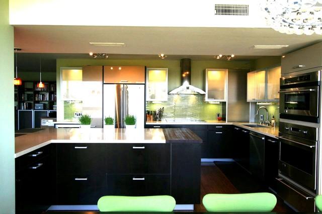 Modern Makeover in Downtown Palo Alto modern-kitchen
