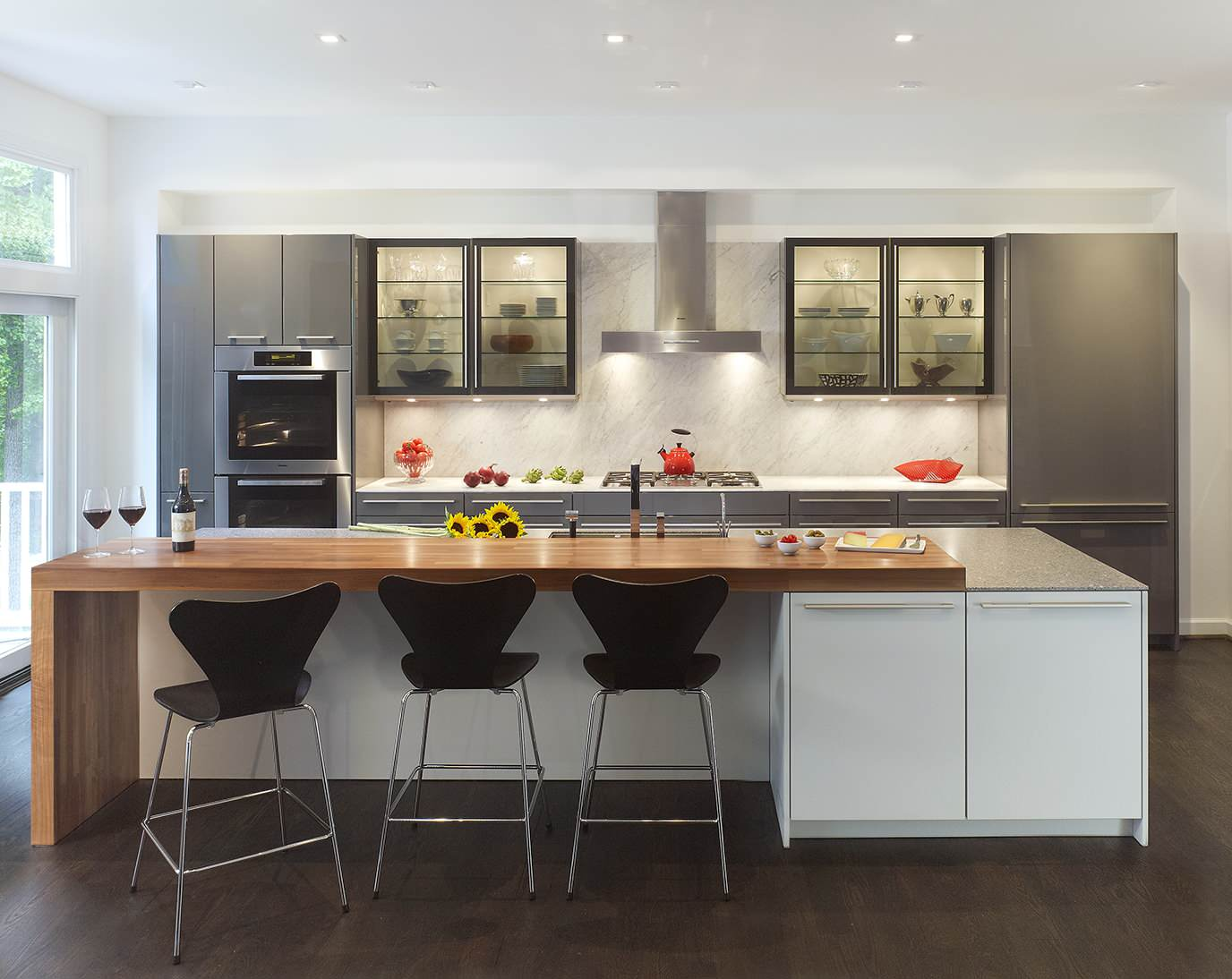 75 Beautiful Galley Kitchen With Glass Front Cabinets Pictures Ideas March 2021 Houzz