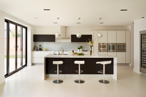 How To Achieve A Stylish Two Tone Look In Your Kitchen Nu Look Renovations