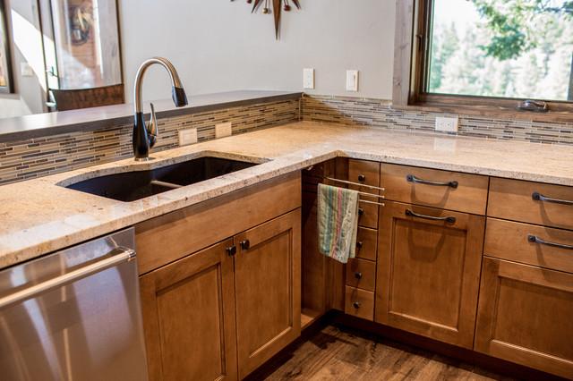 Modern Mountain Home Kitchen