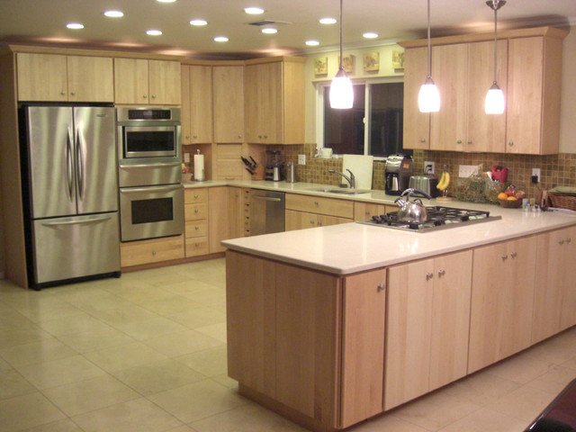 Natural Maple Shaker Style Kitchen Cabinets Pictures To Pin On