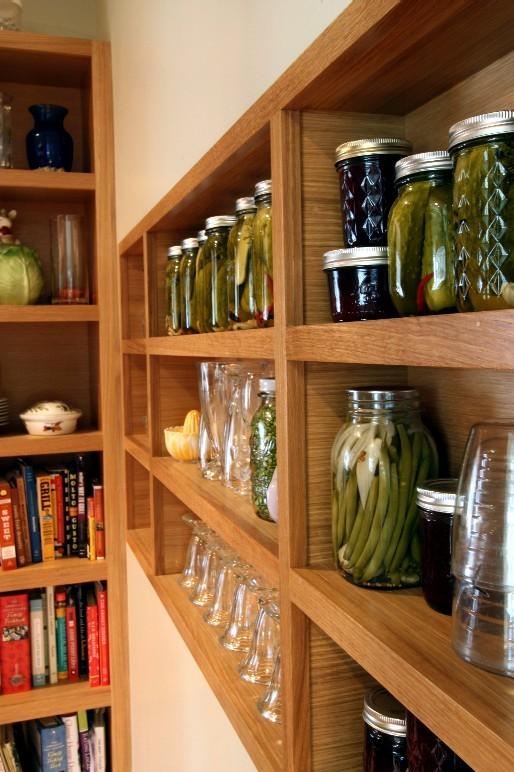 Example of a minimalist kitchen design in Portland