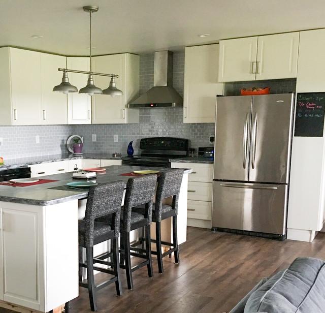 Kitchen - kitchen idea in Other