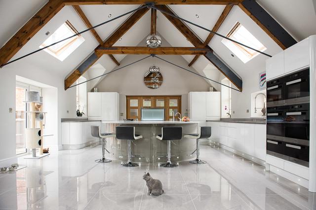 Modern Parapan Kitchen contemporaneo-cucina