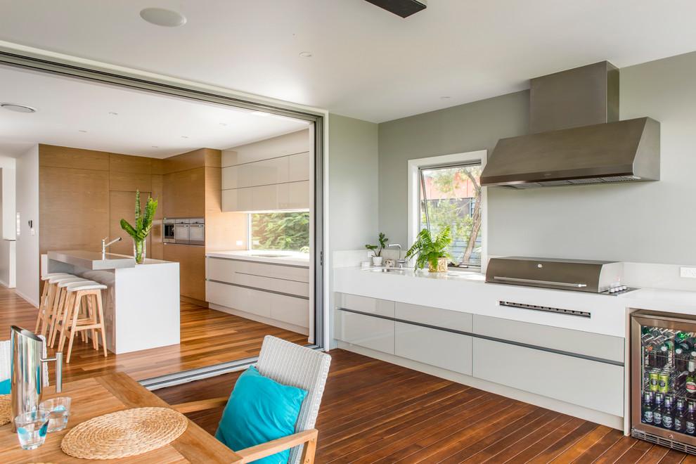 Photo of a contemporary kitchen in Brisbane.