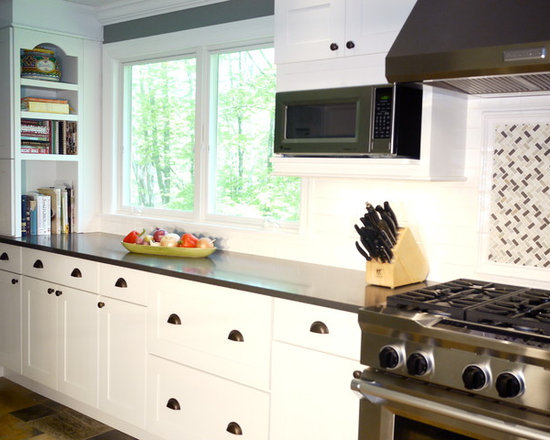 Appliances, White Cabinets, Shaker Cabinets, Slate Floors and an