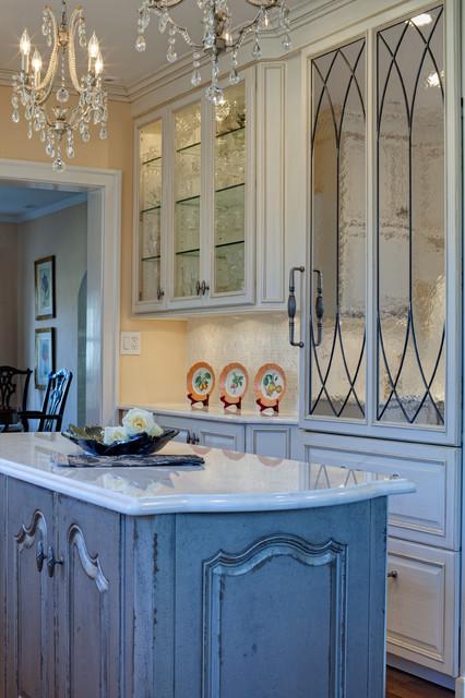 Modern Twist - Traditional - Kitchen - chicago - by Drury Design