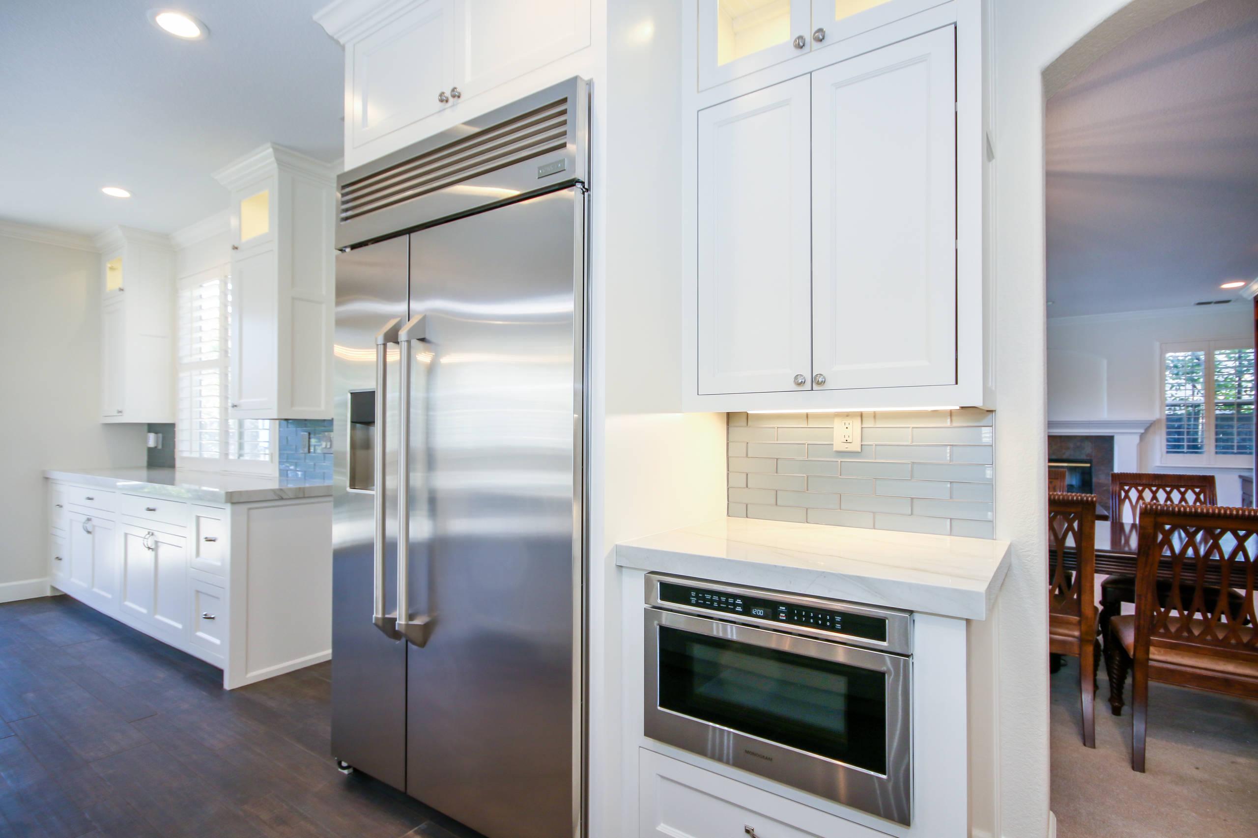 Modern Warm Kitchen Remodel