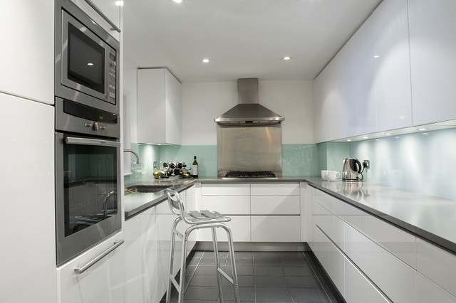 Modern white lacquered kitchen contemporary kitchen for Modern kitchen london