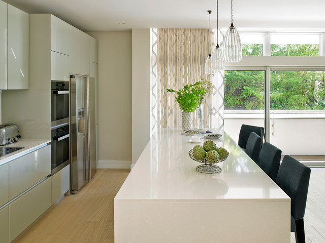 Modernist home guildford contemporary meets classic for Kitchen ideas guildford