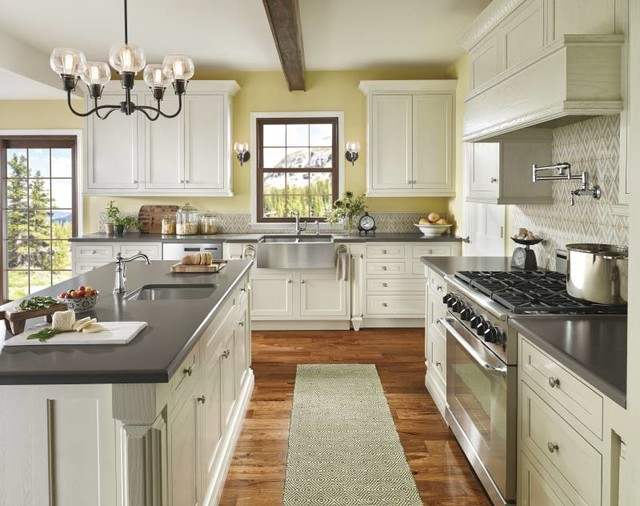 Moen Weymouth Traditional Granite Kitchen