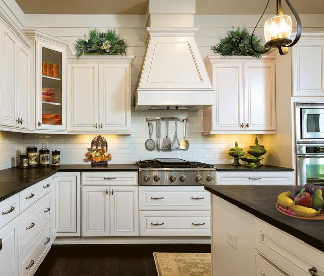 Monterey Maple Glacier With Pewter Glaze Traditional Kitchen