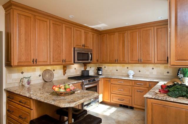 Small, Gorgeous, & Efficient Kitchen traditional-kitchen