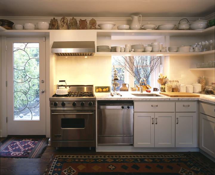 Arts and crafts kitchen photo in Seattle