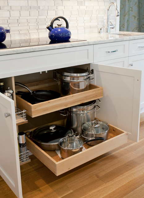 More Storage under the Cooktop - Traditional - Kitchen - Bridgeport - by Kitchen & Bath Design ...