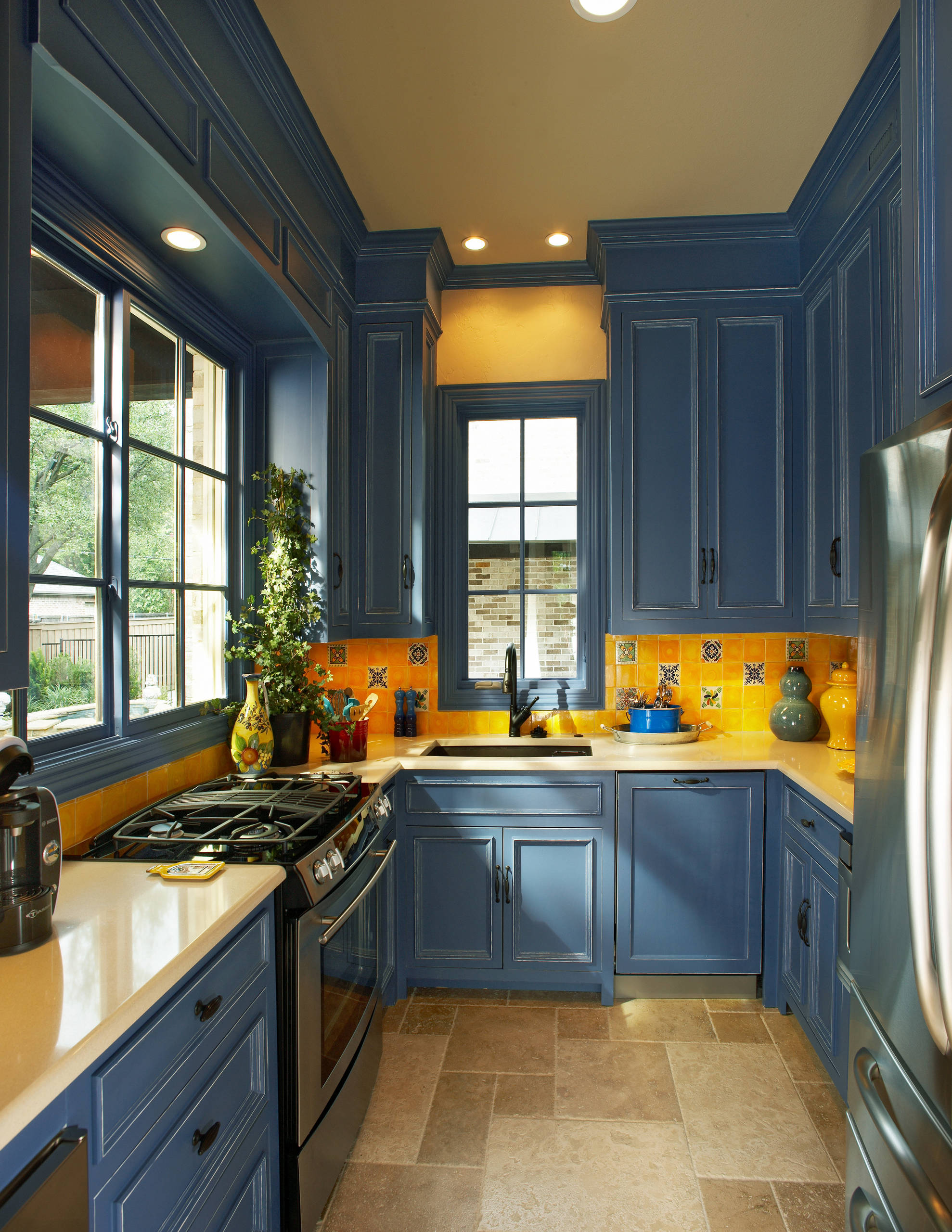 75 Beautiful Kitchen With Blue Cabinets And Yellow Backsplash Pictures Ideas April 2021 Houzz