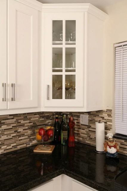 Mount Vernon - River Run Cabinets - Contemporary - Kitchen - other metro - by Quality Stone Concepts