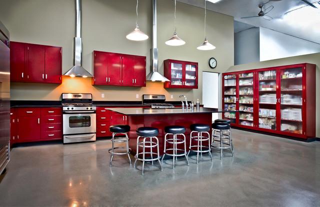 Moya Living Portfolio - Industrial - Kitchen - Orange County - by Moya Living