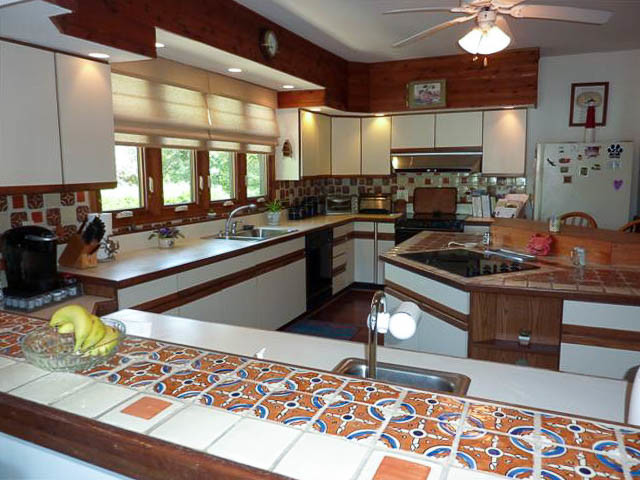 Mr and Mrs. H - Modern - Kitchen - DC Metro - by The Contractors Inc: Kitchen Cabinet Refacers