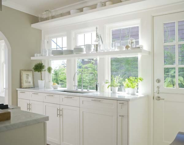 Example of an arts and crafts kitchen design in Seattle