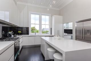 Mt eden contemporary kitchen auckland by gemma mills for Window manufacturers auckland