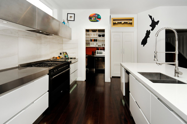 Mt Eden - Contemporary - Kitchen - Auckland - by Suzanne Allen