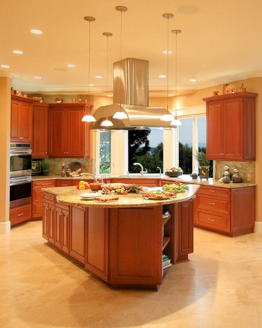 Multi-Cook Entertaining Kitchen (HBA Excellence Award) traditional kitchen