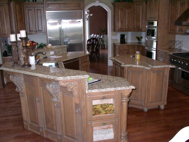 Munk traditional-kitchen