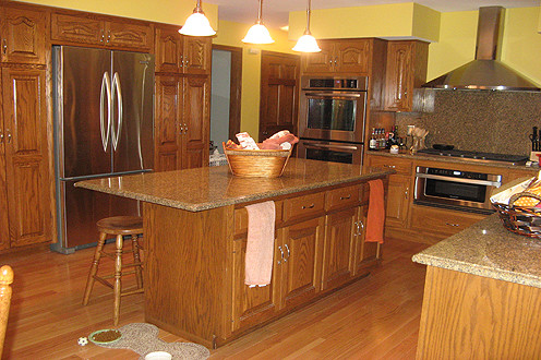Muralles Remodeling traditional-kitchen