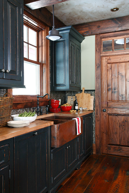 Muskoka Cottage At Oviinbyrd Golf Course Traditional Kitchen Toronto By Otley Design