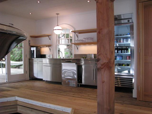 Muskoka - Custom Boathouse Wet Bar